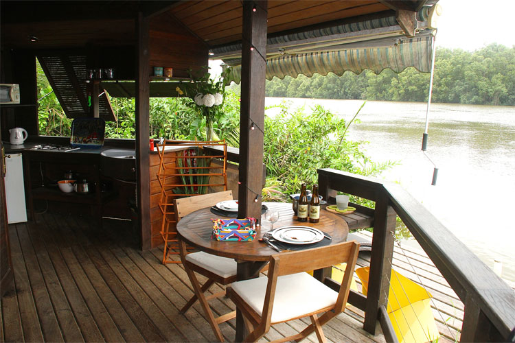 http://www.location-guyane.fr/wp-content/uploads/2015/04/oyak-terrasse1.jpg